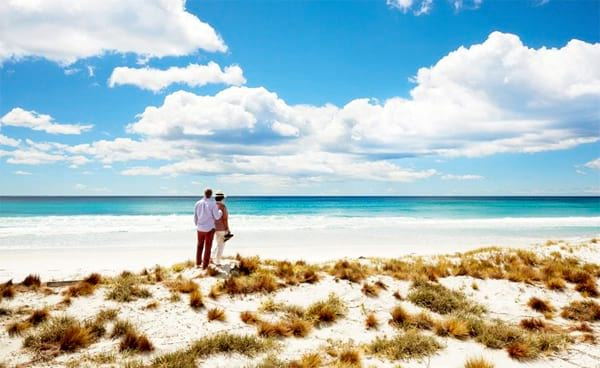 Retired couple plans a trip around Australia after $1.000.000 lotto win