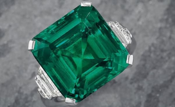 Rockefeller emerald sells to Harry Winston for ground-breaking $5.500.000