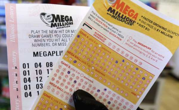 Mega Millions rolls over again, €258.300.000 now up for grabs