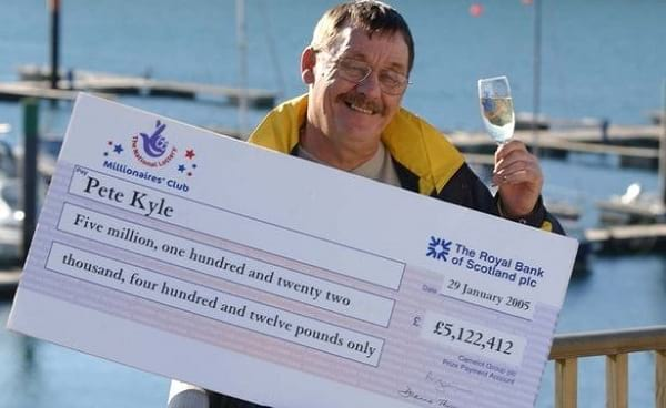 This lotto winner wasted away his £5.100.000 fortune three years after scooping it