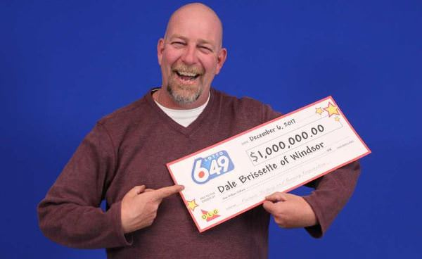 Ontario man celebrates $1.000.000 victory after playing the lottery for two decades